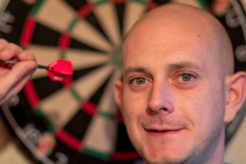 McKinstry makes last 16 at the UK Open